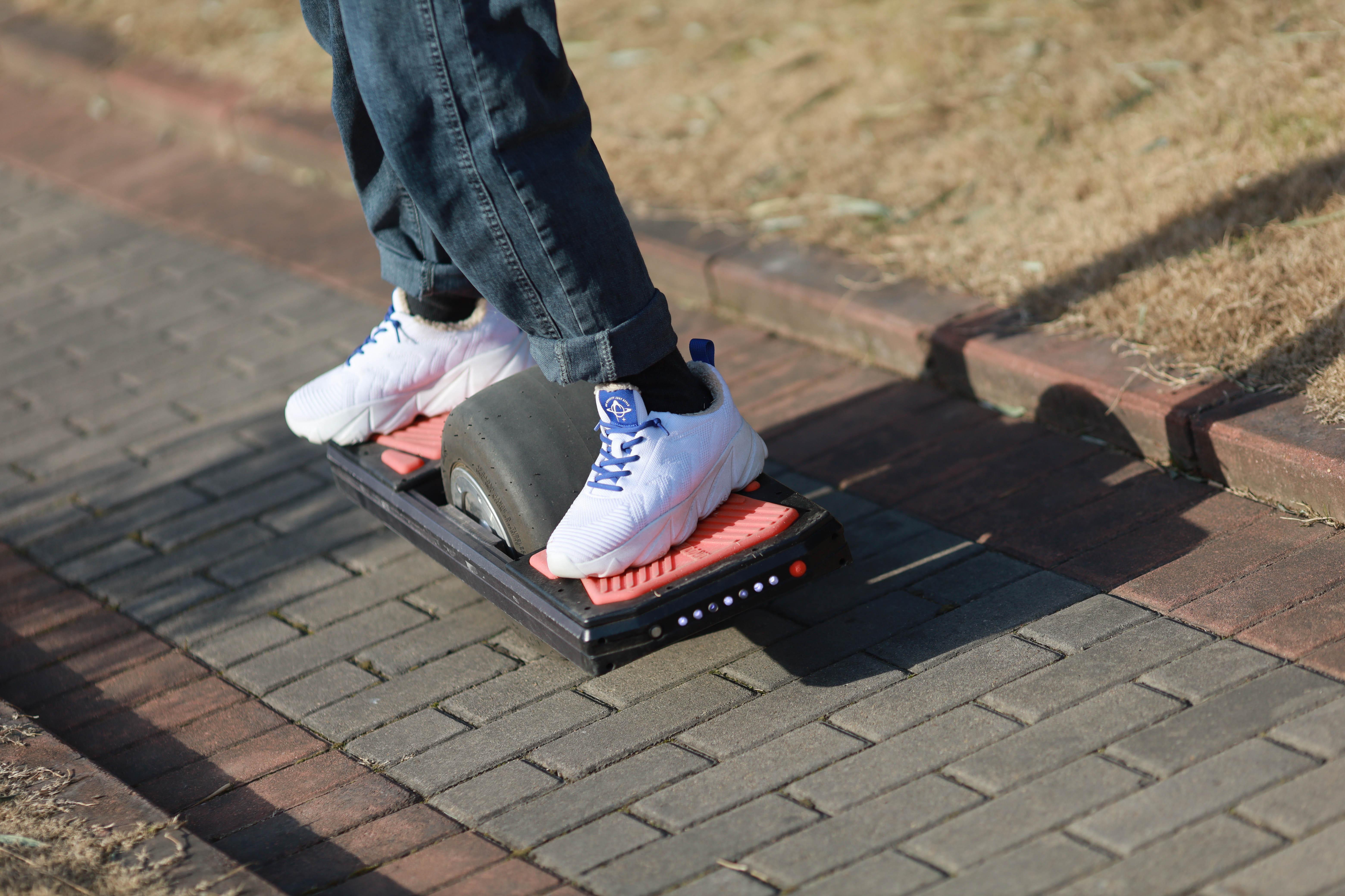 The best waterproof one wheel skateboard